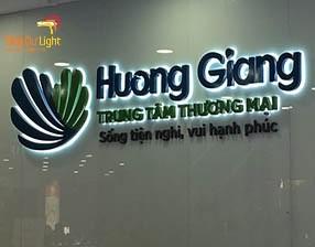 Thiết kế thi công biển quảng cáo trung tâm thương mại