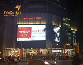 Thi công biển quảng cáo trung tâm thương mại
